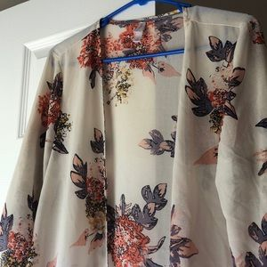 Beachy Floral Kimono with Fringe Detail